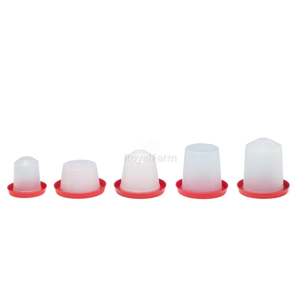 Műanyag itató, 3 literes